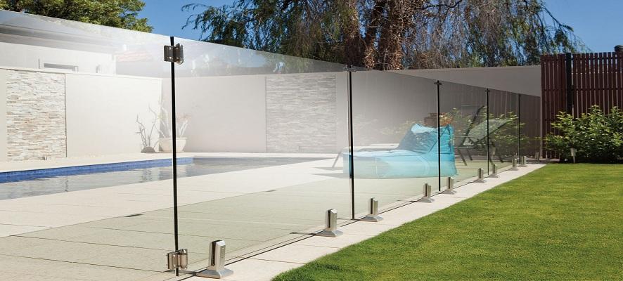 Barrière piscine verre sans poteau