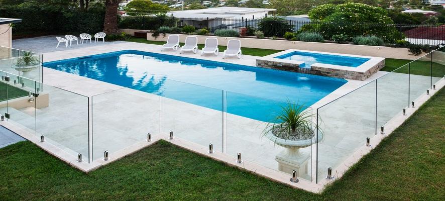 clôture piscine verre transparent